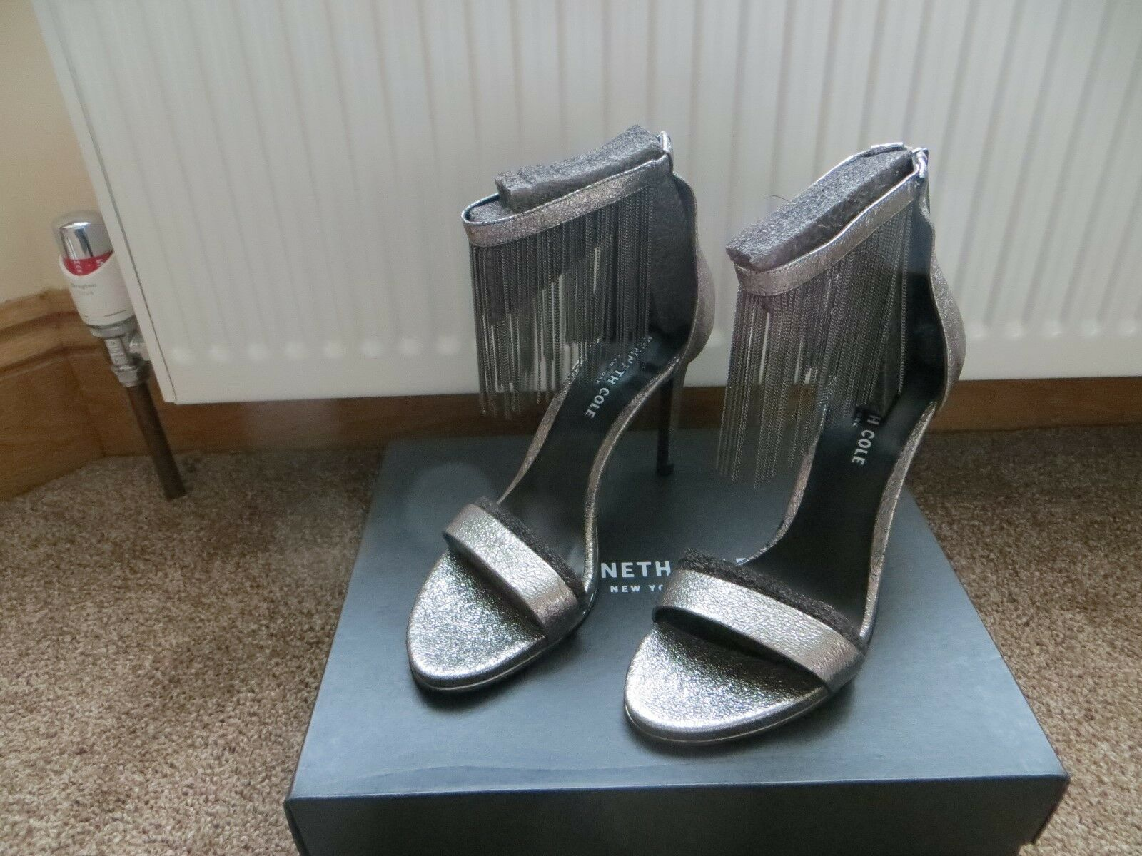 Bnib LADIES Taille 7 EU 40 100% LEATHER SANDALS BY KENNETH COLE NEW YORK