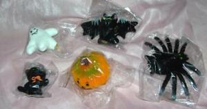 5-VTG-1970-039-S-HALLOWEEN-DECORATIONS-FLOCKED-nos-FIGURES-CAT-GHOST-BAT-MORE