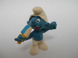 mit Eis 5,5 cm Schlumpf SMURF SCHLEICH 20053 Nasch