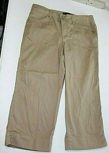 BandolinoBlu Womens Size 8 Khaki Stretch Bermuda Shorts/Capri 's Long Shorts