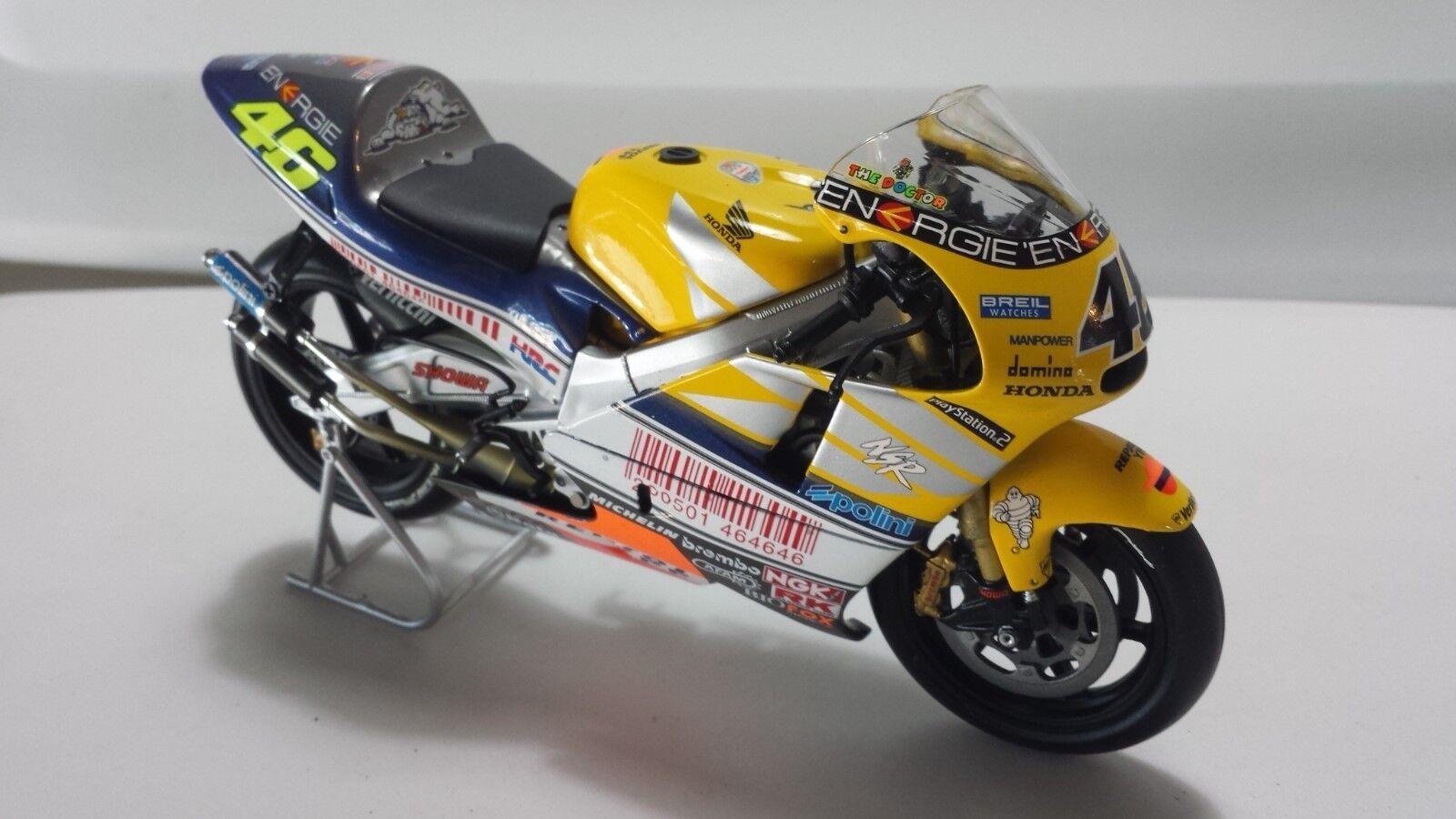 Valentino Rossi. Honda NSR500. GP LeMans2001. Minichamps 1 12.