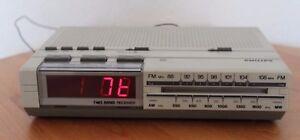 Radiowecker PHILIPS  D3030 electronic clock radio Vintage