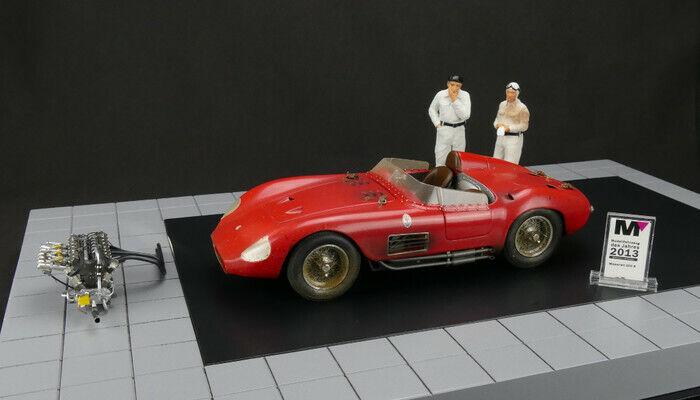 M-172 Maserati 300 S DIRTY Hero +2 Figures + Engine and Floor Plate + Miniat Cmc