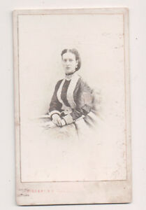 Vintage-CDV-Princess-Alexandra-of-Denmark-Queen-of-Great-Britain-Disderi-Photo