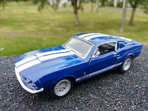 Ford-Mustang-Shelby-GT-500-1967-bleu-bandes-blanches-12-5cm-neuve