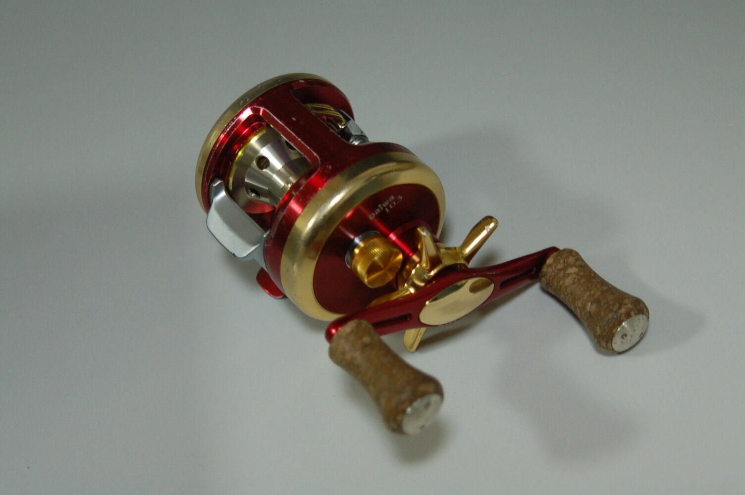Daiwa Millionaire CV-Z103 Club M Red Gold Version