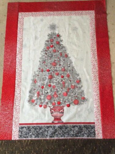 100/% cotton quilting fabric 60 x 110cms Winters Grandeur Christmas Tree Panel