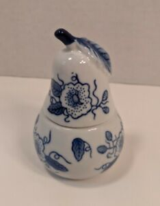 """Blue And White  Porcelain Ginger Jar With Lid Pear shaped 5.25"""" tall and 3"""" wide"""