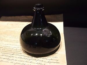 8-034-Antique-Vintage-Style-Colonial-Black-Glass-Blown-Onion-Bottle-Green