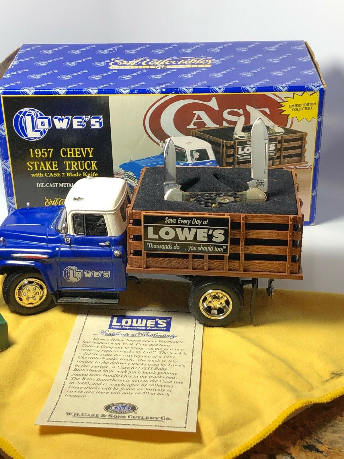 ERTL COLLECTIBLES LOWE'S 1957 CHEVY STAKE TRUCK WITH Fall BUTTERBEAN KNIFE