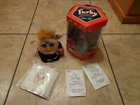2000 TIGER ELECTRONICS--ELECTRONIC FURBY FOR PRESIDENT (LOOK) LIMITED EDITION