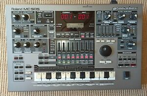 Roland MC-505 Groovebox Synthesizer, Drum-machine, Sequencer, Studio, Live