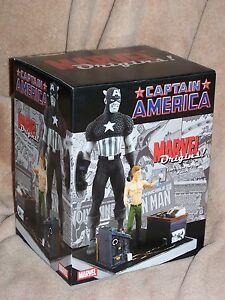 MARVEL-Diamond-Select-Captain-America
