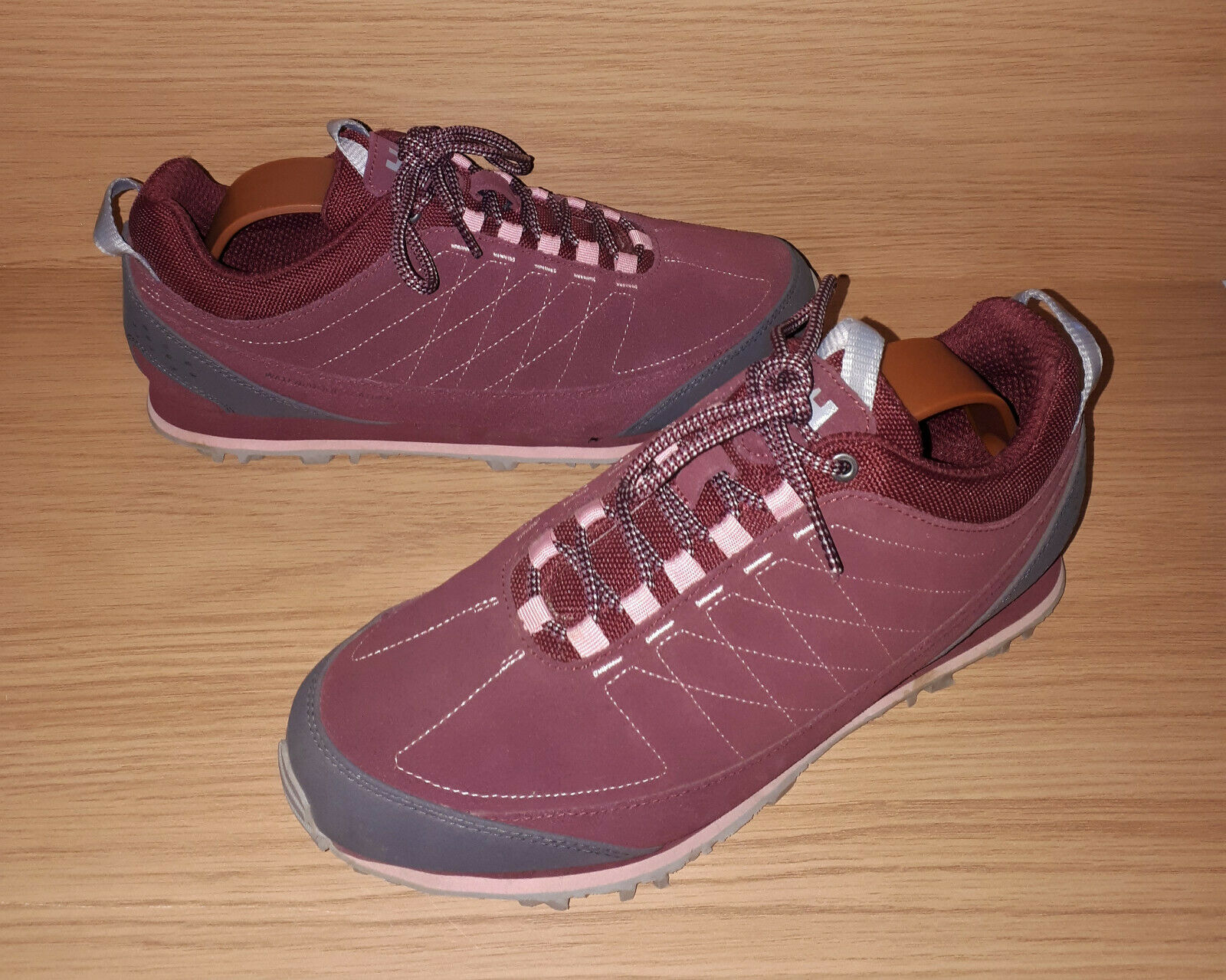 Helly Hansen Waterproof Suede Trainers   Hiking shoes Ladies US 8