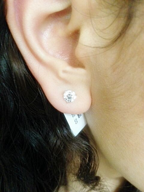 DIAMOND STUD THREE PRONG EARRING