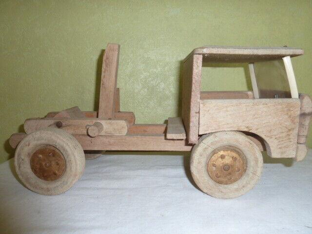 Jouet Ancien Camion en Bois Brut à tirer