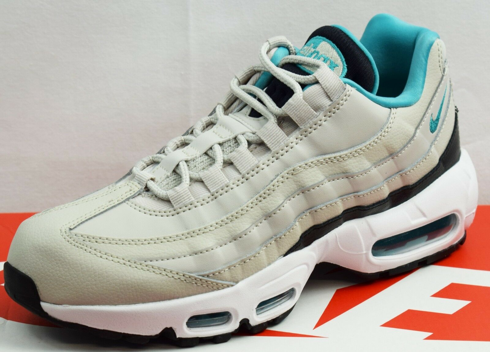 NIKE AIR MAX 95 ESSENTIAL MEN'S TRAINERS  BRAND NEW SIZE UK 6 (EP18)