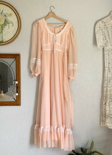 Vintage 70s GUNNE SAX Maxi Dress Floral Pink Prair