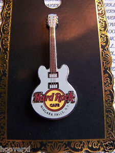 2010 Hard Rock Cafe Niagara falls Ny 3STRING Classic Core Guitar Pin