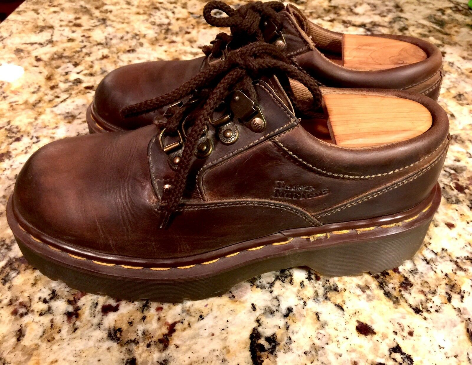 Dr. Martens Air Wair Low Boots Brown Leather  Rustic Men's   Boys Size 7