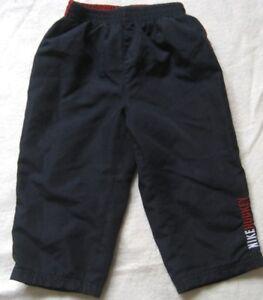 Nike-jungenhose-en-bleu-fonce-taille-16-mois-Neuf