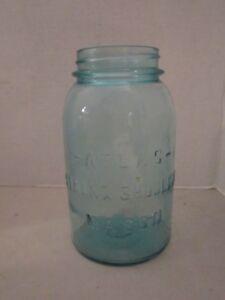 Antique-Atlas-Strong-Shoulder-Mason-Quart-Jar-bubbles-in-glass-Light-Blue