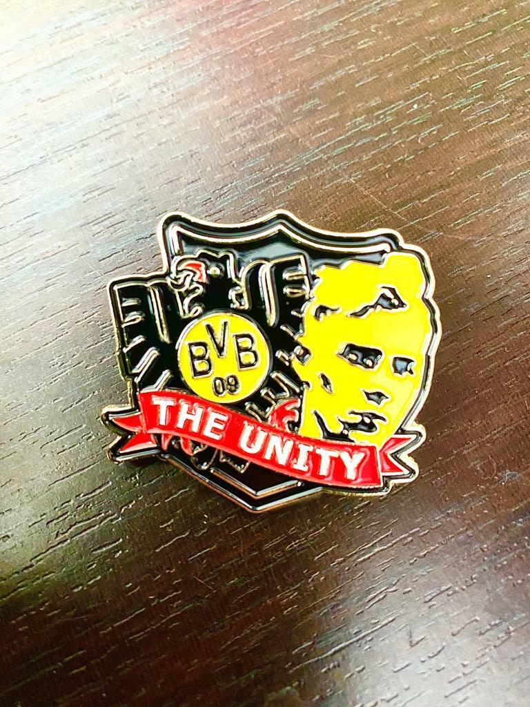 Bvb 09 Borussia Dortmund Football Pin Badge For Sale Online Ebay