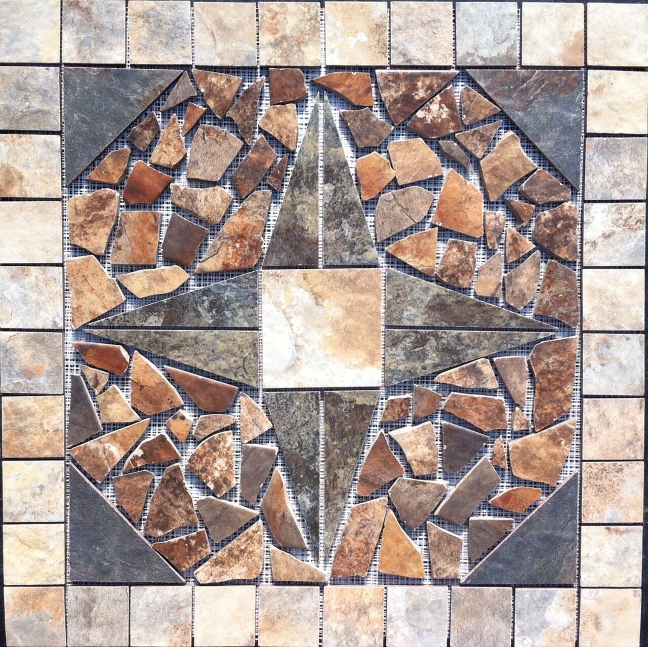 22 1 4  Tile Medallion Inlay - Lamosa Zion tile series