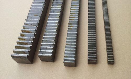 Zahnstange  Mold 2 Modul 2  Material C45 nicht gehärtet 1000 mm lang
