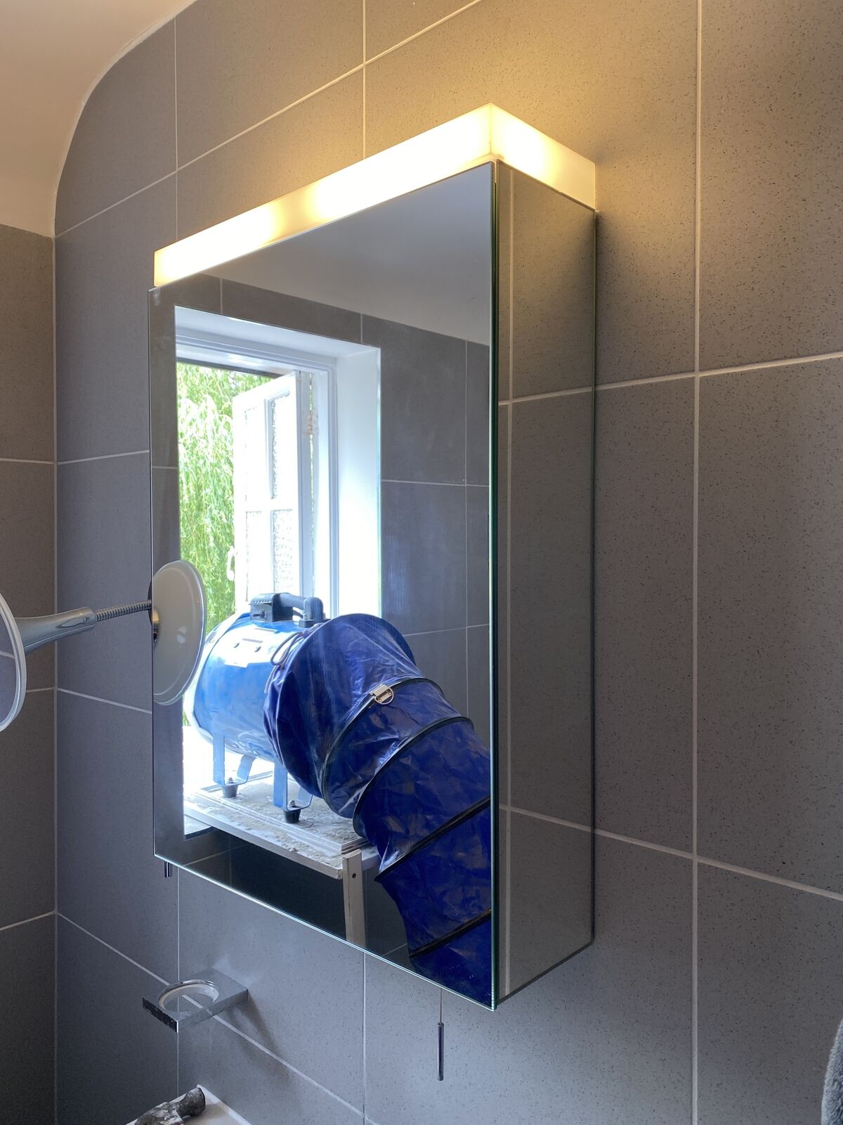 Keuco Royal Reflex mirror cabinet with light and shelves 24001171131 ex display