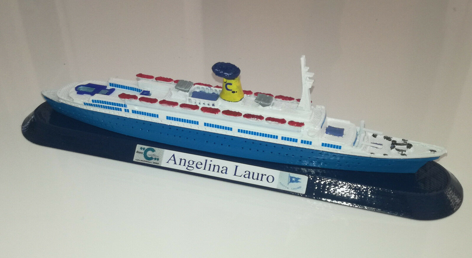 Angelina Lauro ex Oranje model ship scale 1 1250 funnel Costa Crociere 1977   79