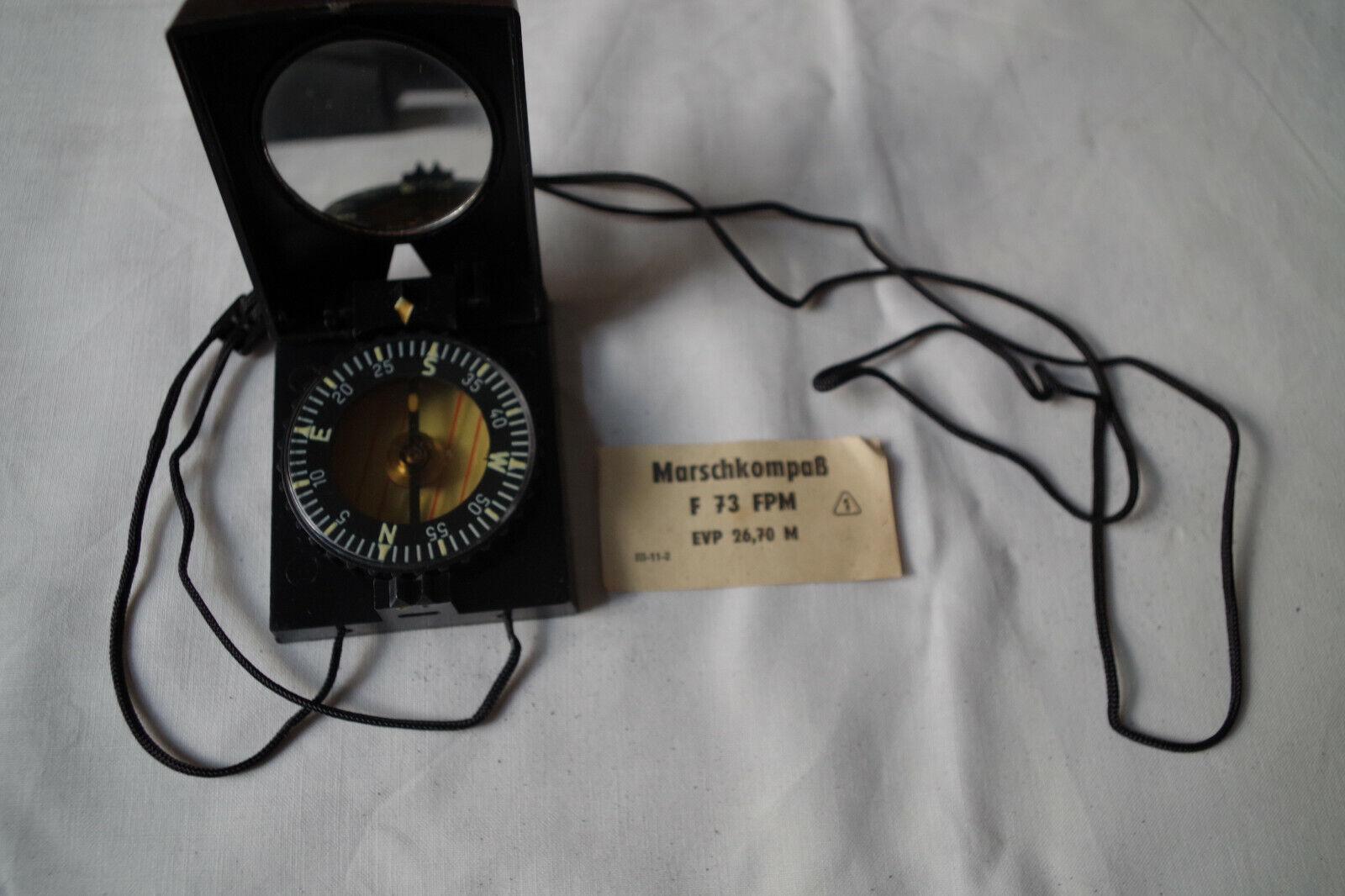 Bild 1 - Marschkompass F 73 der NVA mit Hülle und Beschreibung, unbenutzt