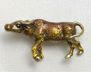 Unique-bull-brooch-pin-enamel-on-metal