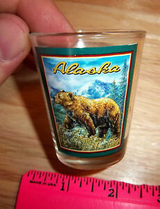 Alaska-Collector-Shotglass-Grizzly-Bear-Scene-New-Unused-nice-shot-glass