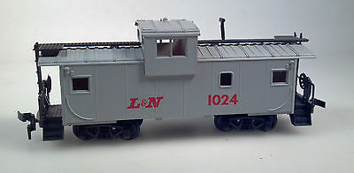 ROCO HO SCALE L&N 1024 WIDE VISION CABOOSE LOUISVILLE & NASHVILLE MODEL TRAIN