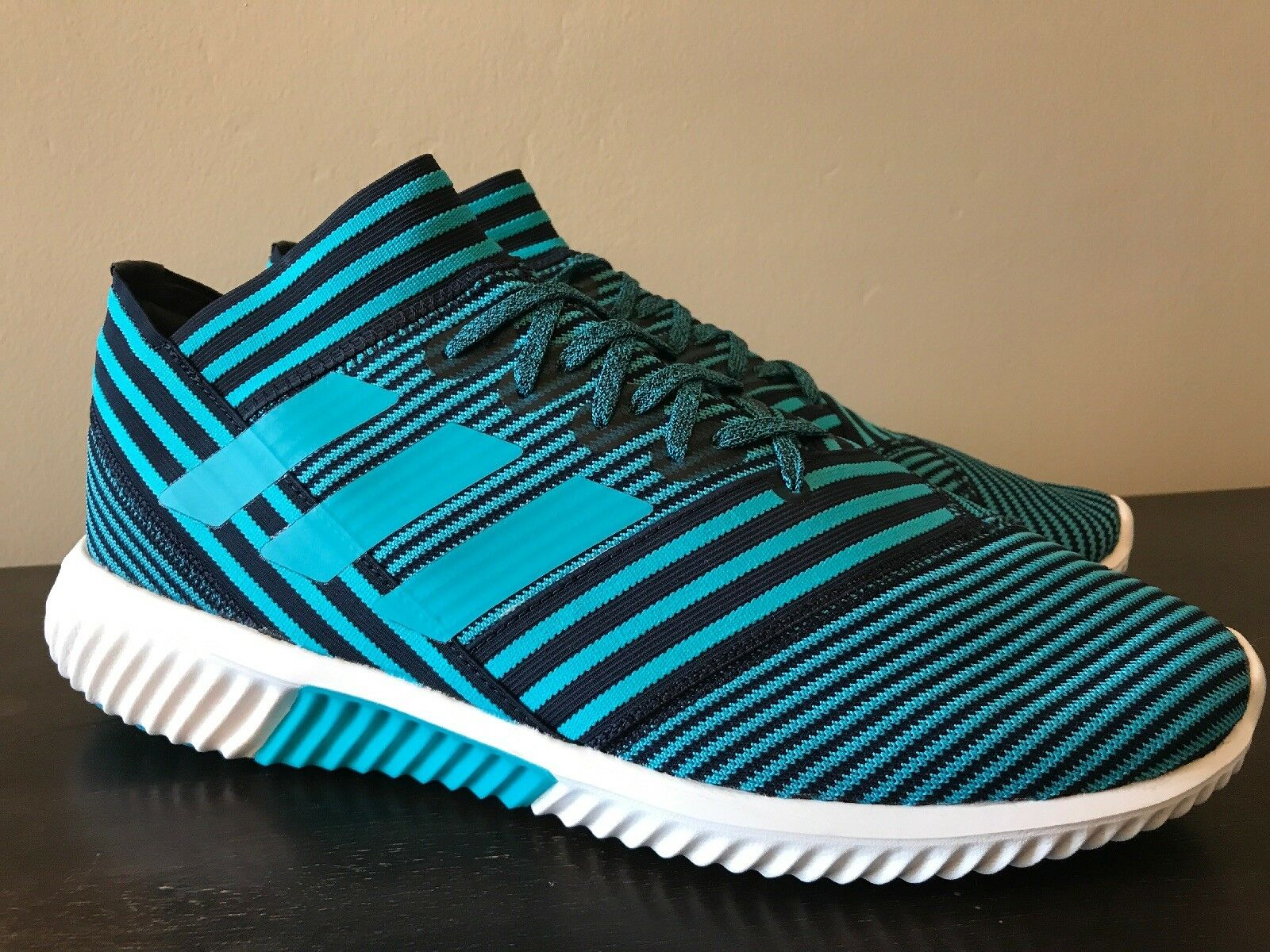 Adidas Men's Nemeziz Tango 17.1 Soccer Training shoes Teal Size 10.5 BY2306