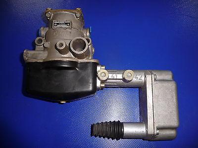 Grau 602005001    →  Bremskraftbegrenzung