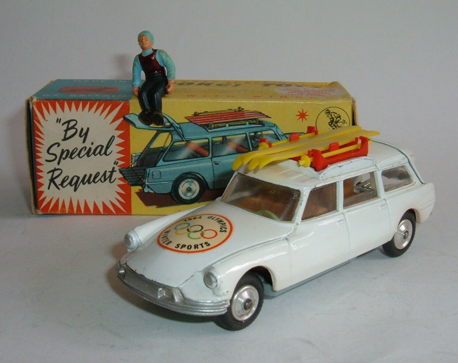 Corgi Toys No 475, CITROEN Safari Olympic Winter Sports, - SUPERBE Comme neuf MODEL.