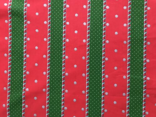 Red Green FQ Fat Quarter Fabric Wall Paper Dots Christmas 100/% Cotton Quilting