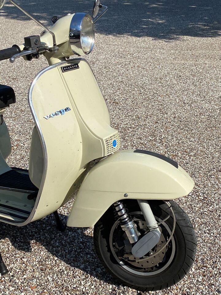Vespa, 200 ccm, 15 hk