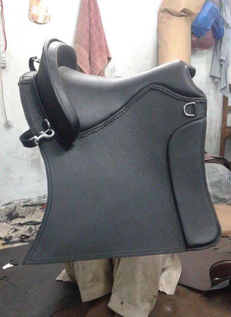 Hermoso Diseño Antiguo Negro de Cuero Genuino estilo inglés de montar