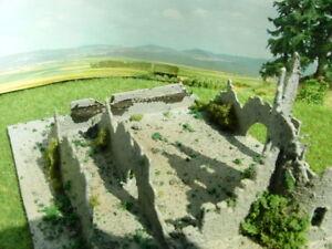 Ruine-Burgruine-Burg-Turm-7-teiliger-Bausatz-GROSS-RESIN-Spur-N-Spur-Z