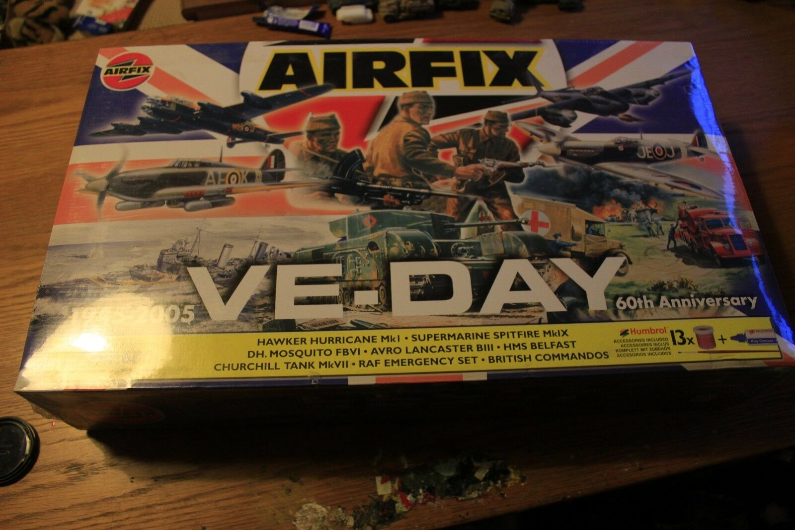 Airfix WW2 VE-DAY 60th Anniversary Set 1 72 Scale Model Kit