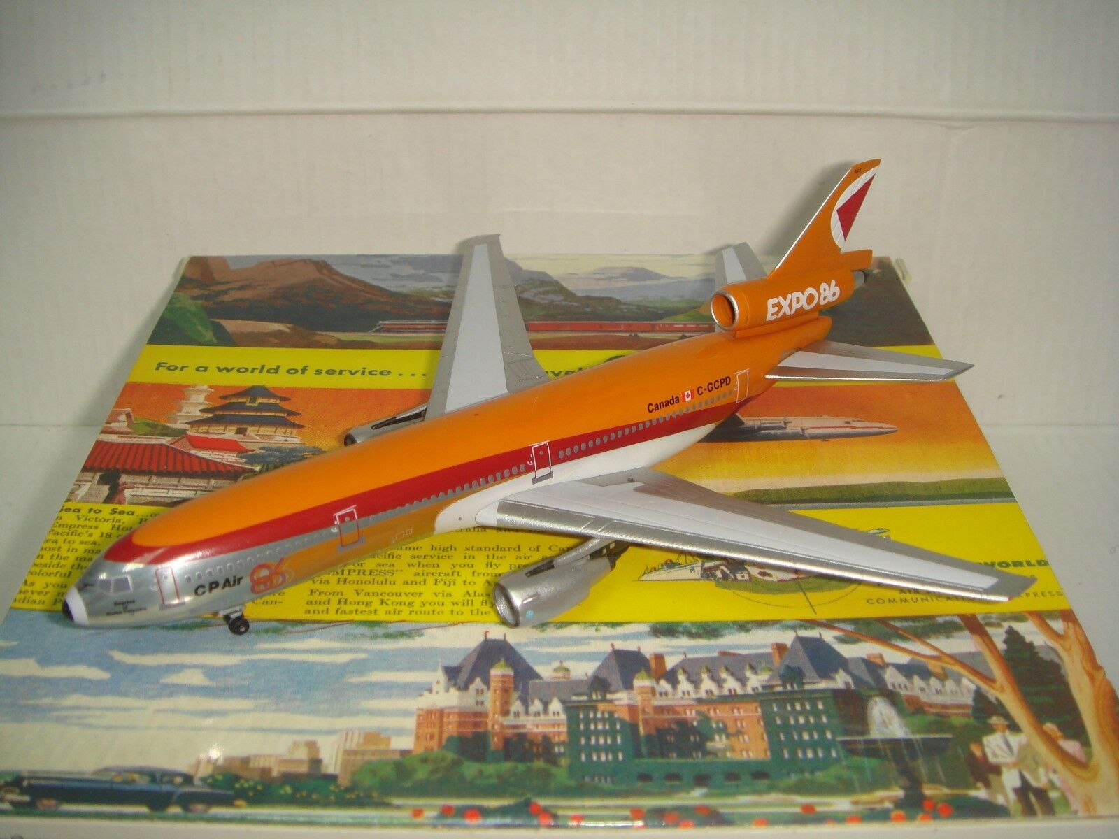 Aeroclassics CP Air DC-10-30  1980s Coloree-Expo 86  1  400