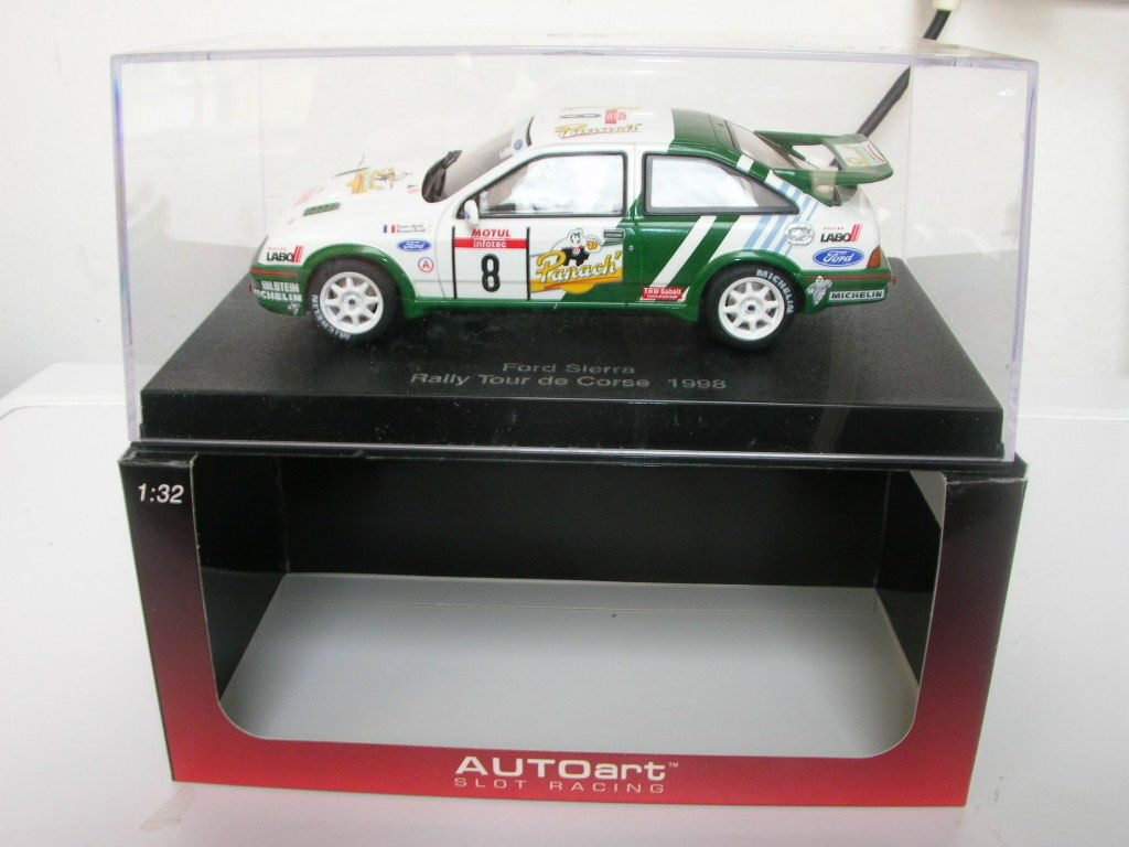 SLOT CAR 1\32 AUTOART FORD SIERRA COSWORT RALLY TOUR