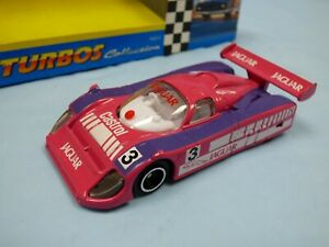 Hot-Wheels-Buys-Corgi-Base-Rosa-1988-Jaguar-XJR9-Castrol-Le-Mans-Race-Car-Toy