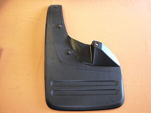 TOYOTA-HILUX-KUN-TGN-GGN-SR5-LH-FRONT-MUDFLAP-SUIT-MODELS-WITH-FLARES-2005-ON
