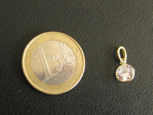 1.1 Kettenanhänger Zirkon rund in Goldfassung 333 er  8 Karat Markenware