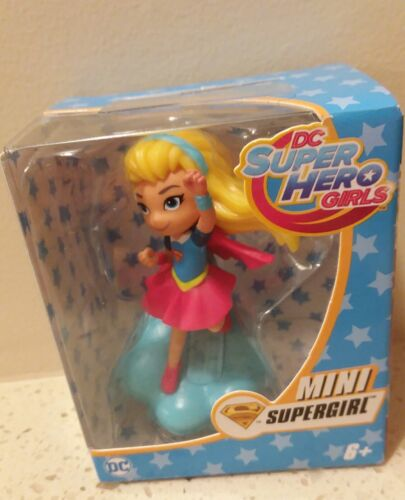 DC Super Hero Filles Supergirl Mini Figure Cake Topper Parti Favor Stocking Stuff