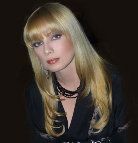 TRACI LORDS 6x6 PICTURE BLONDE HAIR PHOTO VIDEO STAR